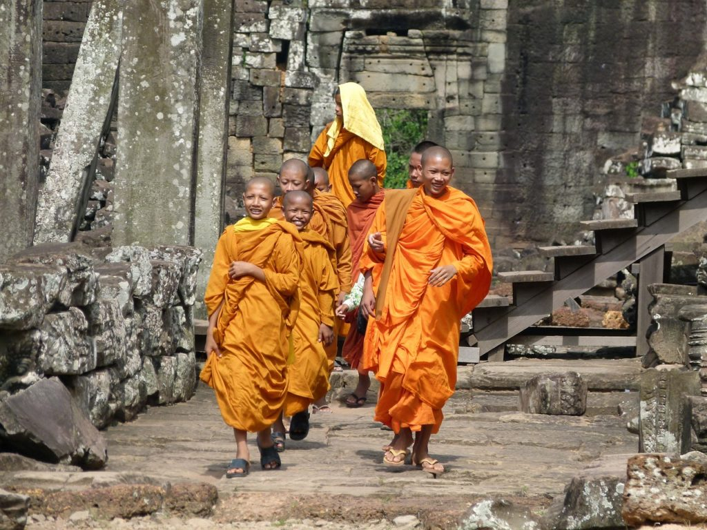 templi di Angkor con monaci